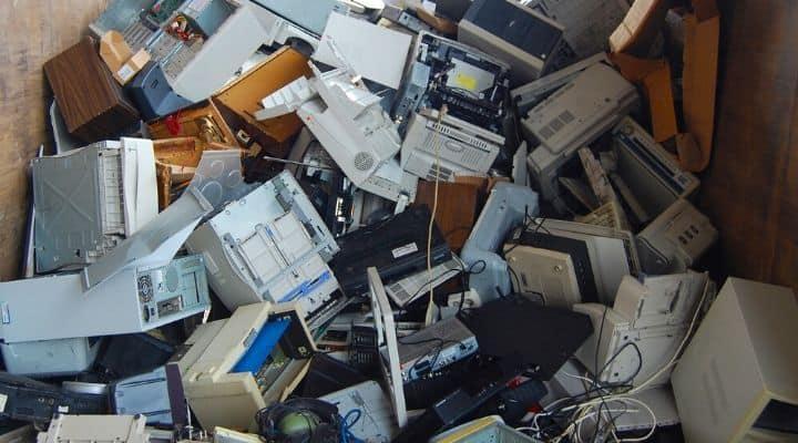 Discarica di rifiuti elettronici