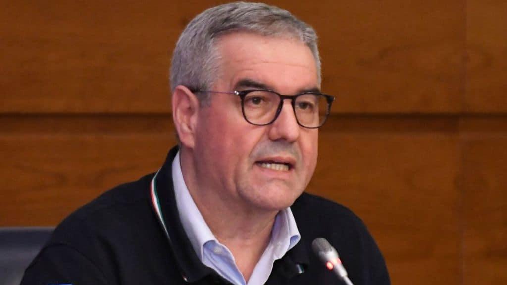 Coronavirus, Angelo Borrelli ha sintomi febbrili: annullata la conferenza