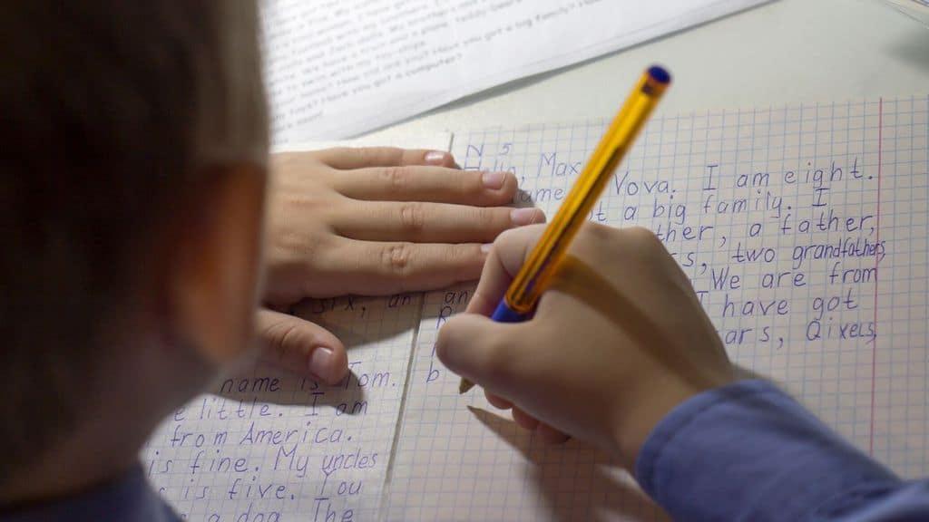 bimba scrive lettera
