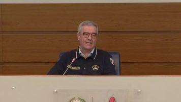 borrelli legge il bollettino della protezione civile
