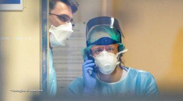 Medici con mascherina per il coronavirus in ospedale