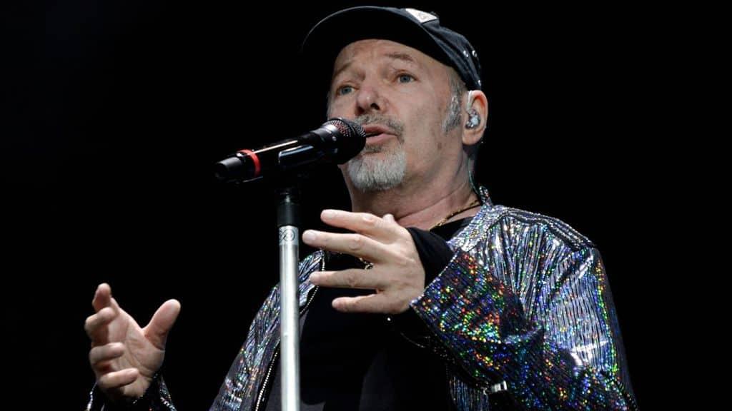 Siamo solo noi – sei come 6: Gerry Scotti presenta su Canale5 l'evento sui concerti di Vasco Rossi a San Siro
