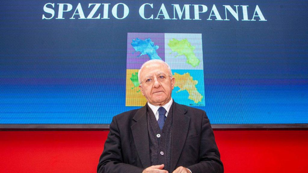 Vincenzo De Luca, ironia tagliente sugli assistenti civici: