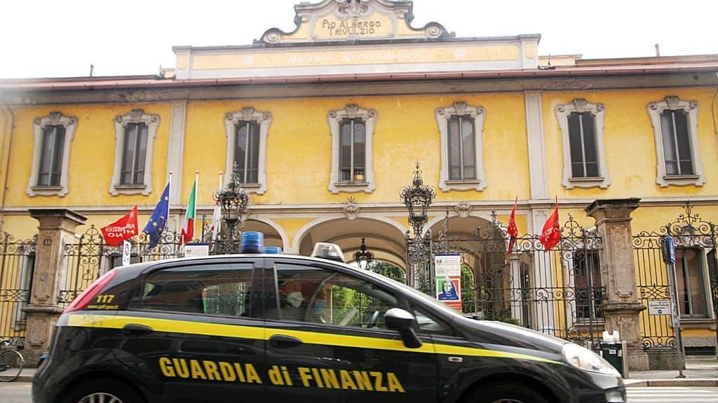 Critiche e indagini investono in pieno la Regione Lombardia e Pio Albergo Trivulzio di Milano sulla gestione dell'emergenza Coronavirus
