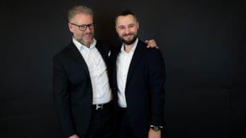 Paolo Borzacchiello e Luca Mazzilli abbracciati