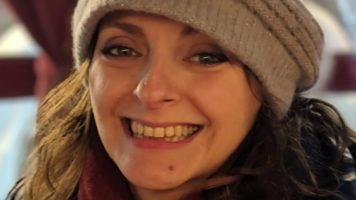 """Claudia Meini, 40enne scomparsa da Cascina (Pisa) 17 giorni fa. """"Era terrorizzata dal Coronavirus"""" dice la famiglia. Le ricerche proseguono (Foto Facebook)"""
