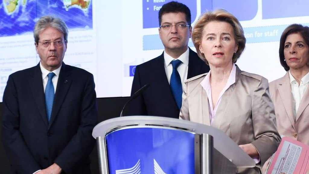 membri della commissione europea von der leyen e gentiloni