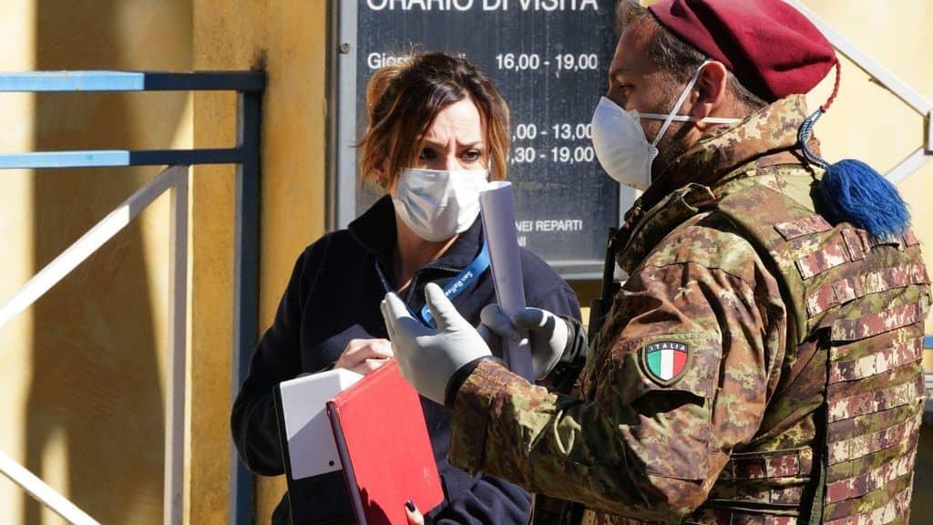 un medico per coronavirus e un militare fuori dal san raffaele