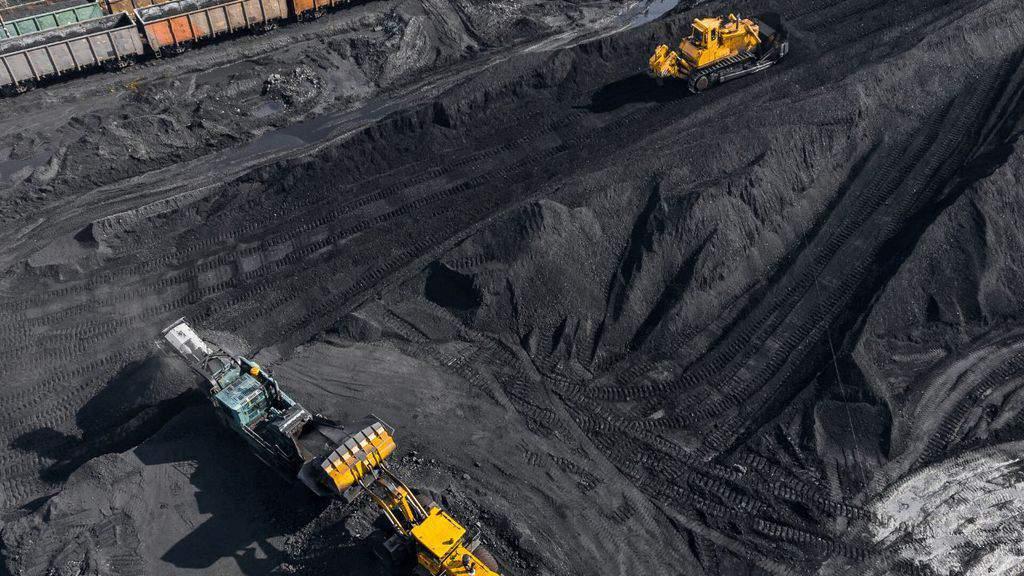 miniera di carbone vista dall'alto