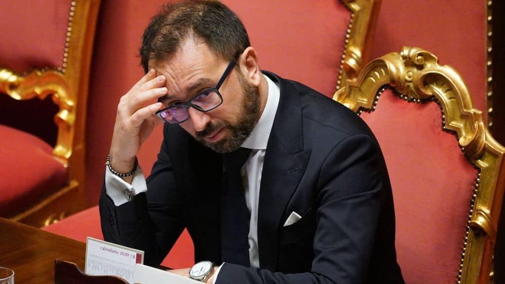Il Ministro della Giustizia Alfonso Bonafede pensieroso