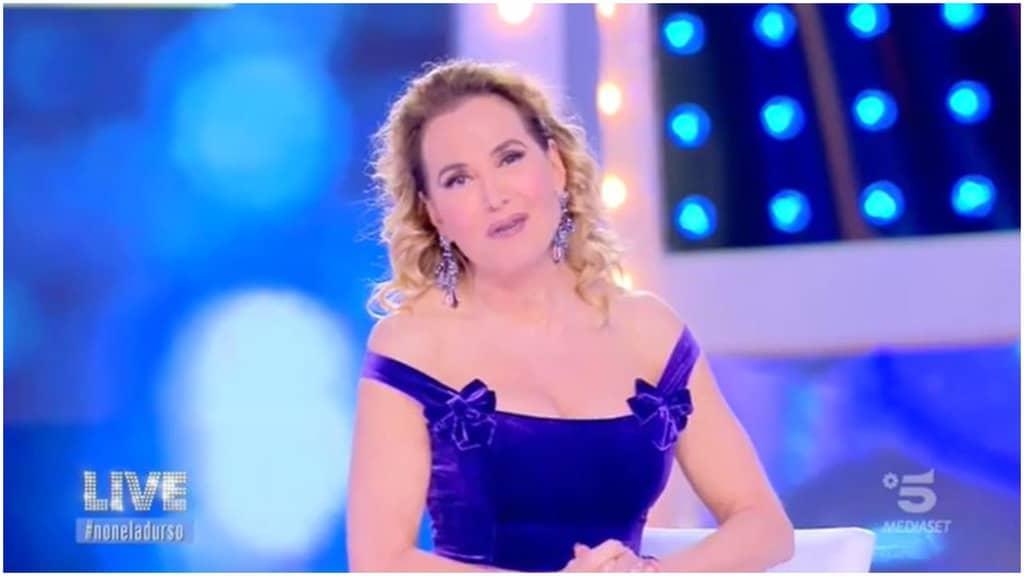 Barbara D'Urso smaschera Clizia Incorvaia e Paolo Ciavarro VIDEO