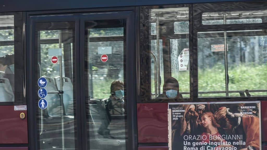 coronavirus autobus italia