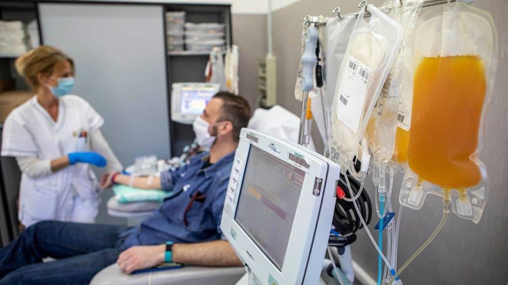 Una trasfusione di plasma iperimmune ad un paziente Covid-19