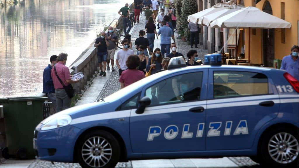 Controlli di Polizia sui Navigli a Milano