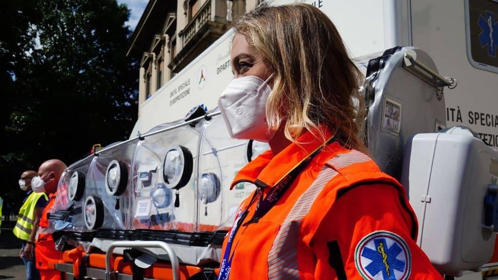 personale della Croce Rossa Italiana per l'emergenza Coronavirus