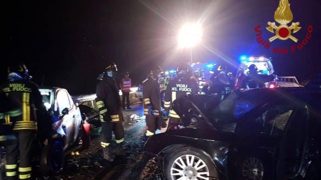 vigili del fuoco incidente stradale