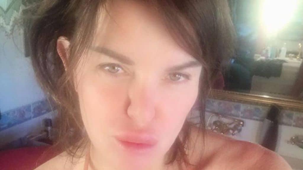alba parietti, un selfie