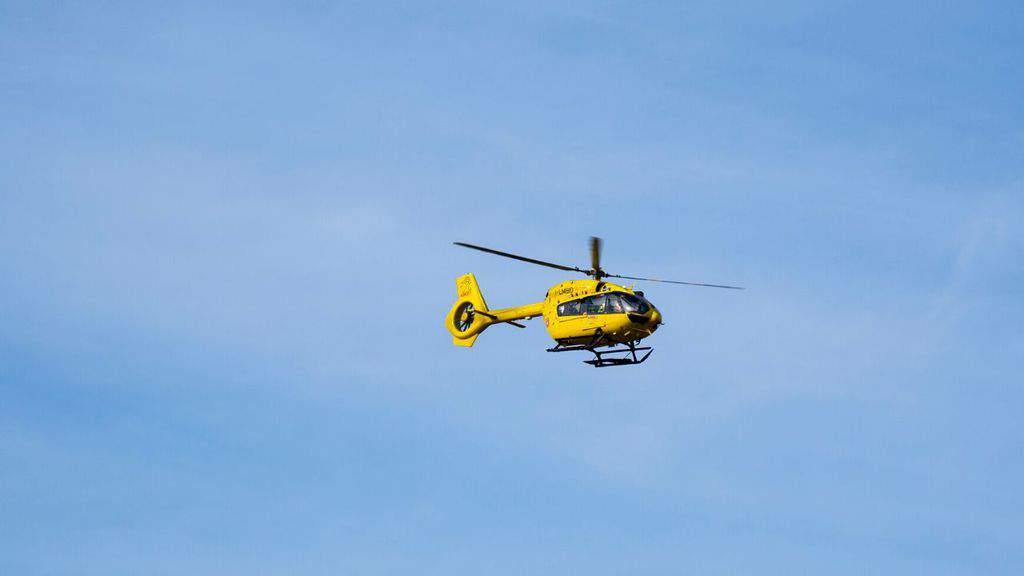 elicottero del soccorso alpino in volo