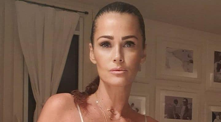 Samantha De Grenet annuncio infortunio gomito