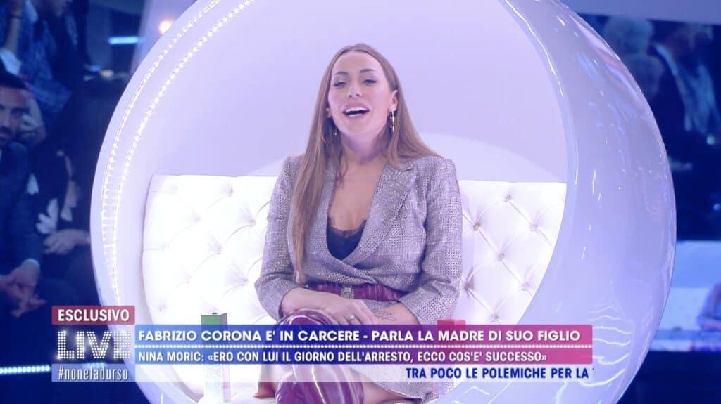 Karina Cascella a Live - Non è la d'Urso
