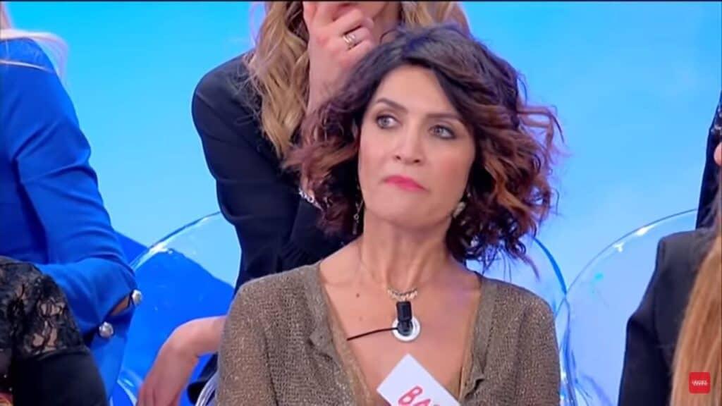 Barbara De Santi racconta tutte le delusioni d'amore di una