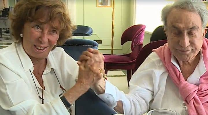 Emilio Fede e Diana De Feo si stringono la mano