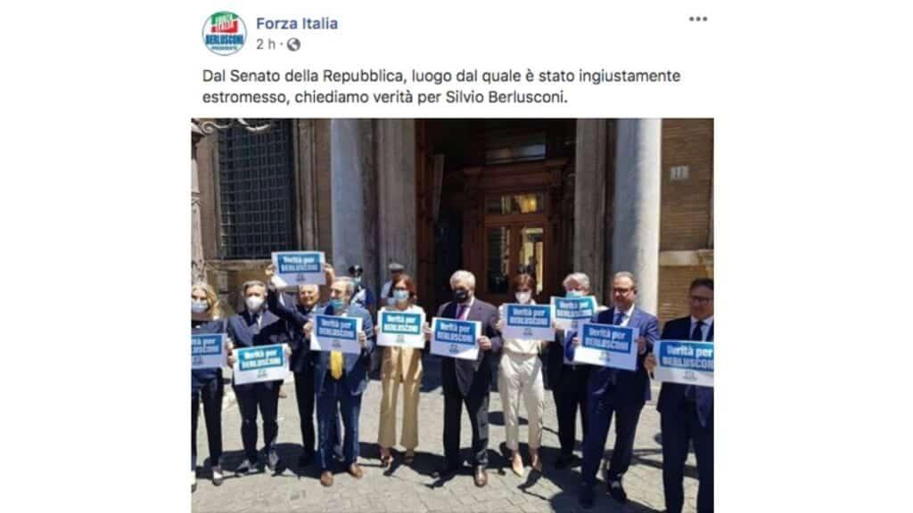 post facebook di forza italia per silvio berlusconi