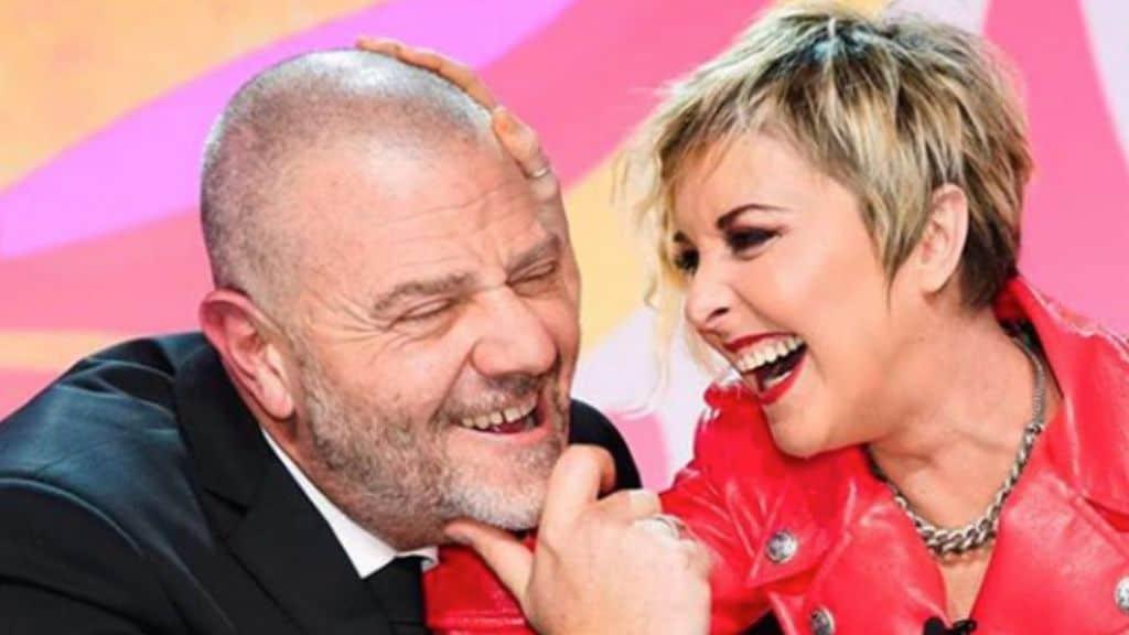 Giulio Golia e Nadia Toffa abbracciati