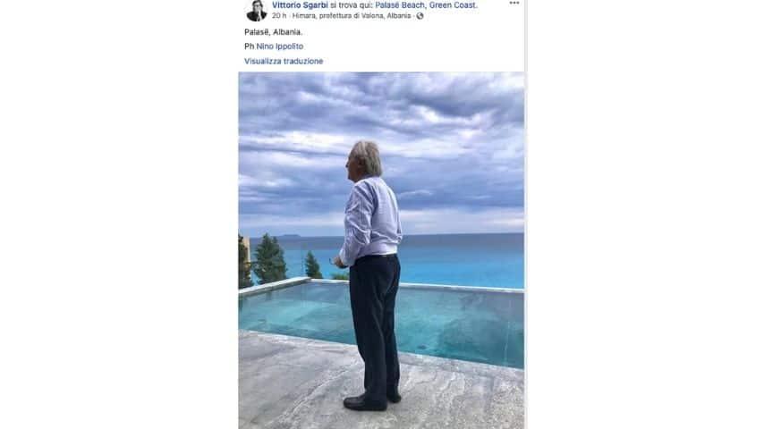 Sgarbi in vacanza in Albania, il post su Facebook