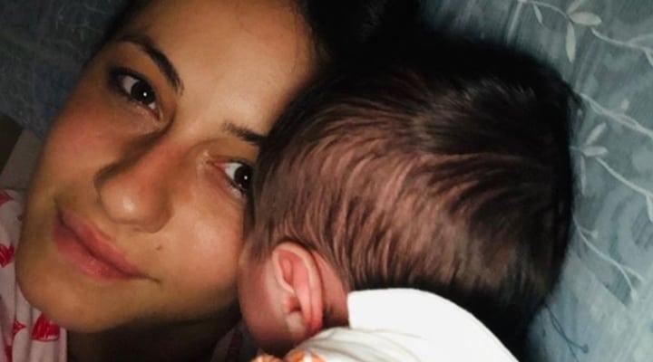 selfie di anna munafò con il figlio