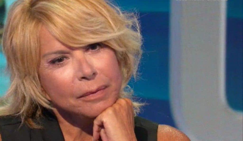 """Io e Te, Anna Pettinelli arrabbiata col compagno: """"Il disgraziato si è divertito!"""""""