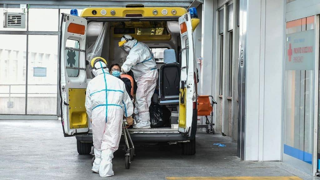 In Italia la curva dei contagi sale ancora