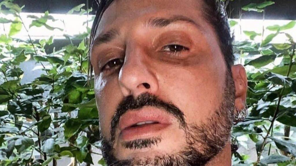 Fabrizio Corona ai domiciliari: festino in casa, arrivano i