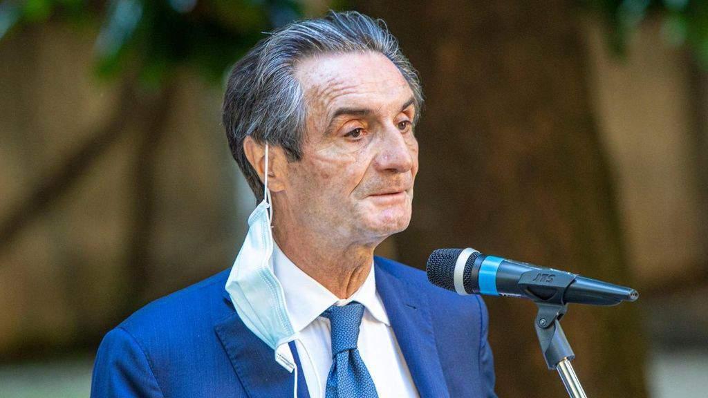 Attilio Fontana parla in una cerimonia