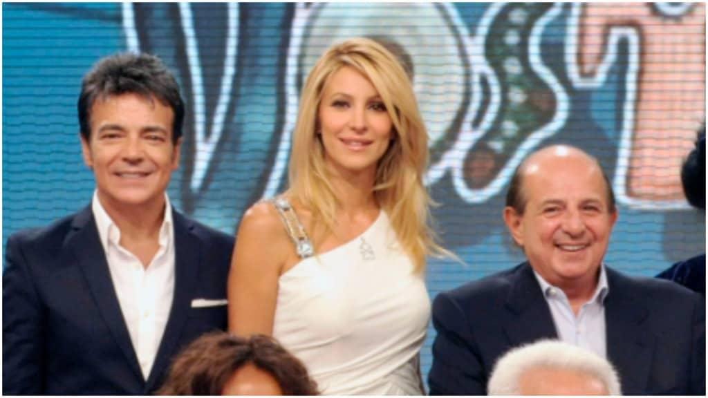 Marcello Cirillo, Andriana Volpe e Giancarlo Magalli sorridenti a I Fatti Vostri