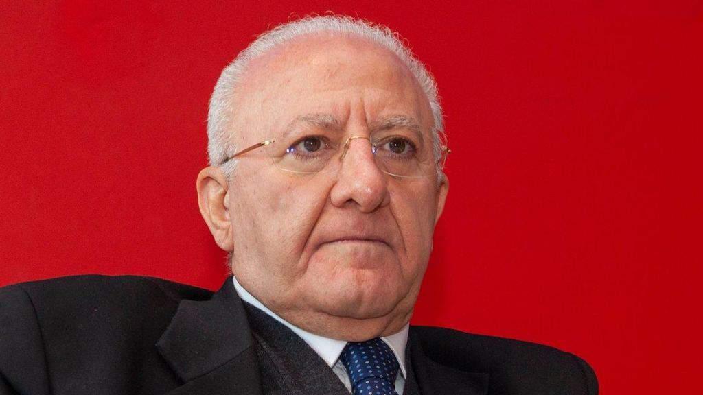 Vincenzo De Luca in primo piano