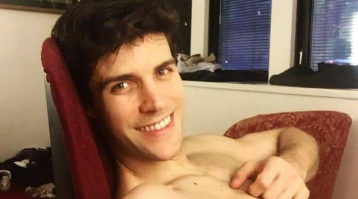 Roberto Bolle sorridente immagine Instagram