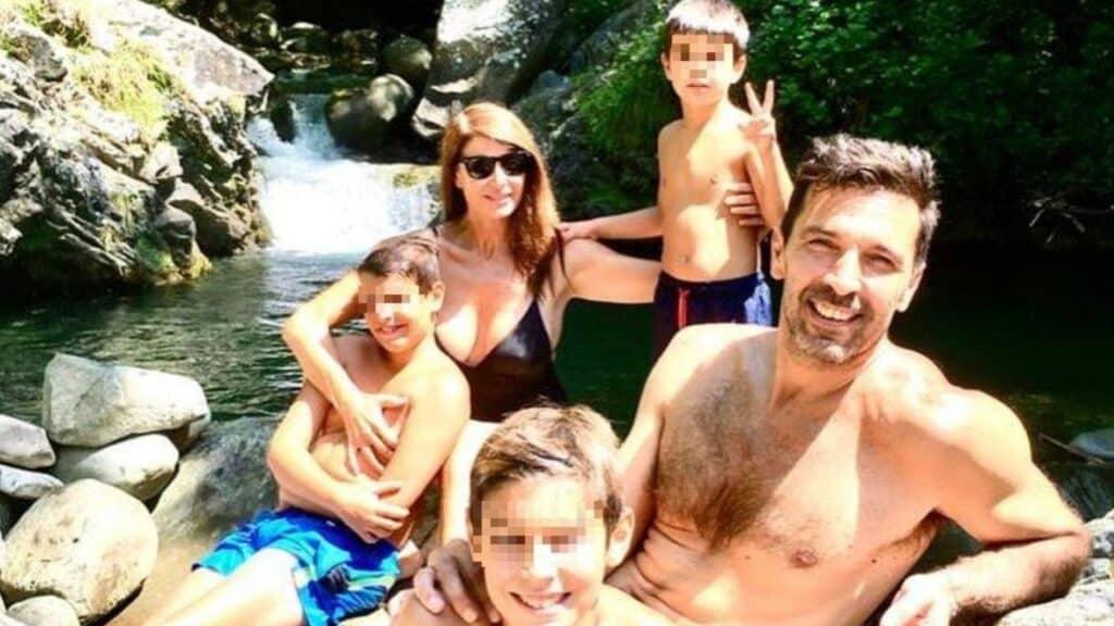 Ilaria D'Amico e Gianluigi Buffon: relax in vacanza con i figli