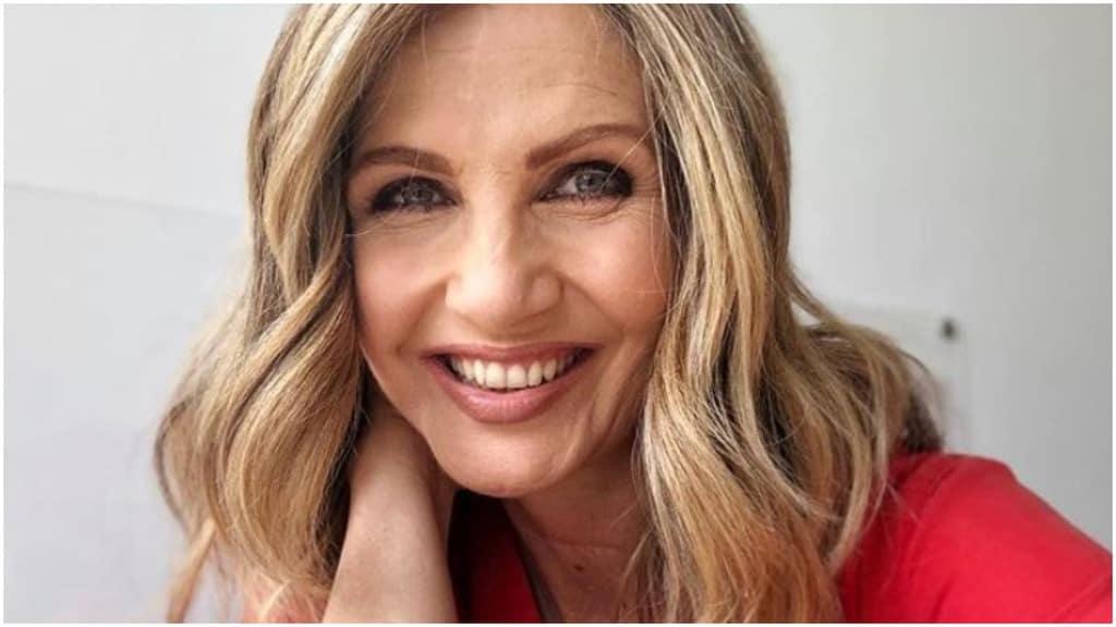 Lorella cuccarini, primo piano, sorridente