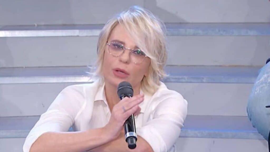 """Uomini e Donne: Maria De Filippi al lavoro per un trono """"trans"""""""