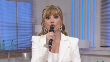 Milly Carlucci in primo piano