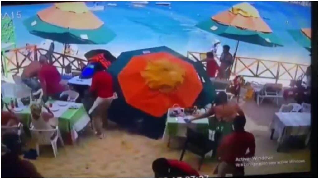 Moto d'acqua piomba sulla gente in spiaggia: un morto e 2 feriti