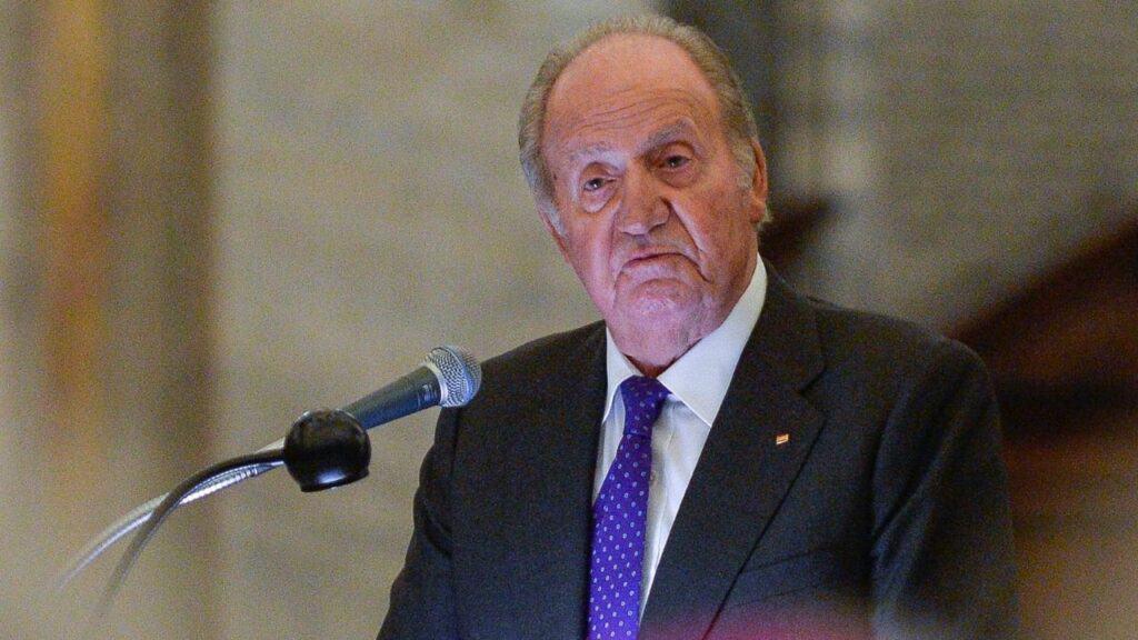 L'esilio di re Juan Carlos: in una suite da 11mila dollari ad Abu Dhabi