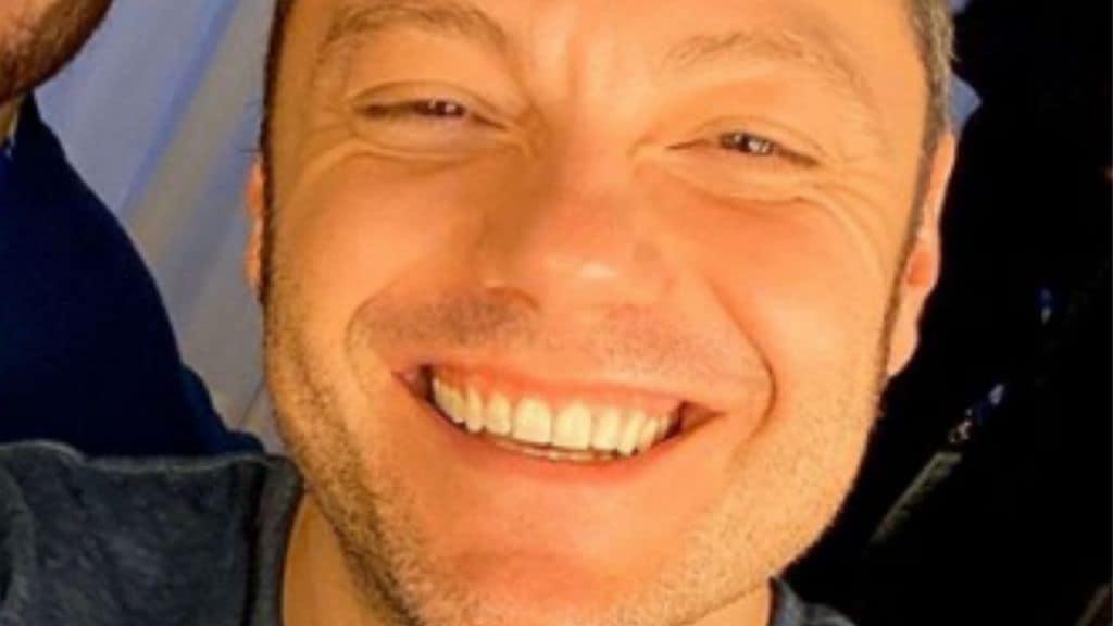 tiziano ferro che sorride