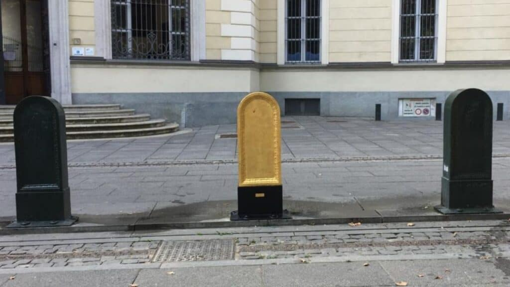ToroT in piazza bernini