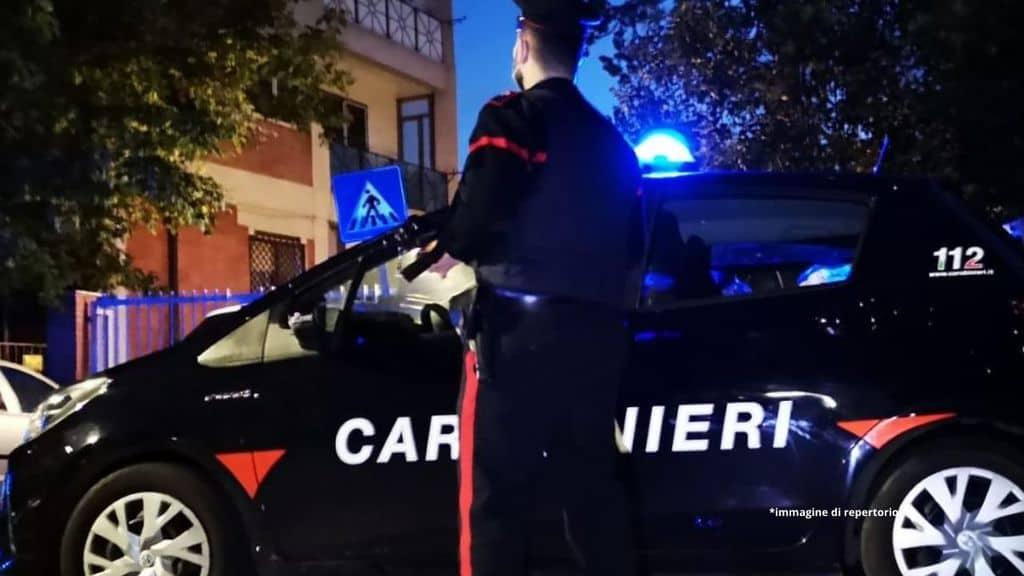 volante dei carabinieri di sera