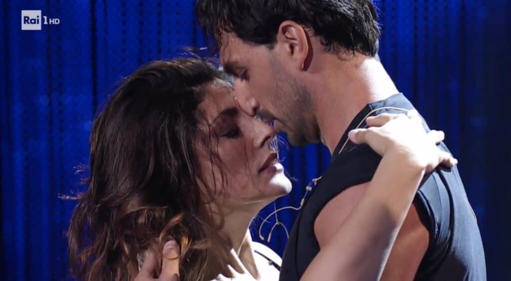 Il tango di Elisa Isoardi e Raimondo Todaro