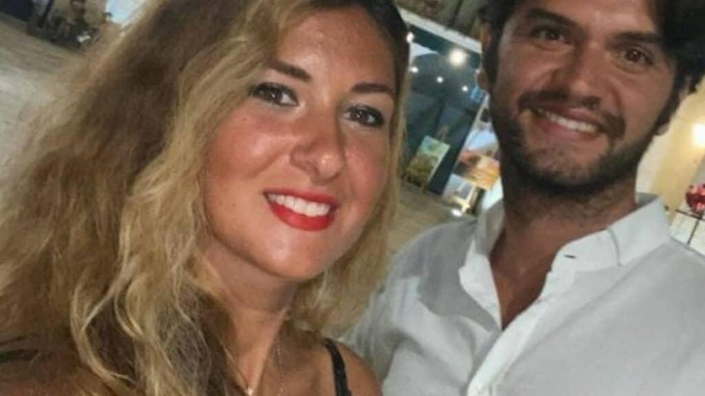 Omicidio Lecce, fidanzati uccisi a pugnalate: un biglietto sulla scena del delitto