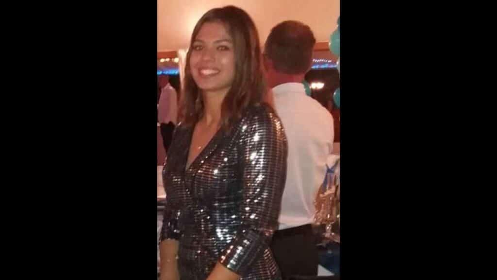 Elena scomparsa a 17 anni, è mistero sulle foto inviate via chat