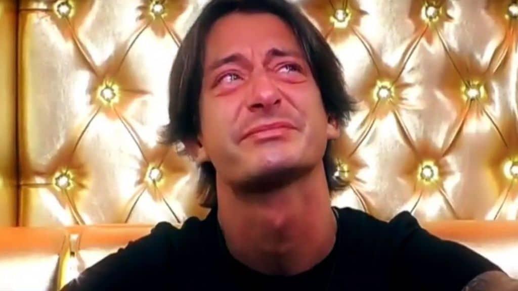 Francesco Oppini piange per Luana, la fidanzata morta in un incidente